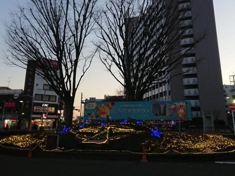 小平駅のイルミネーション